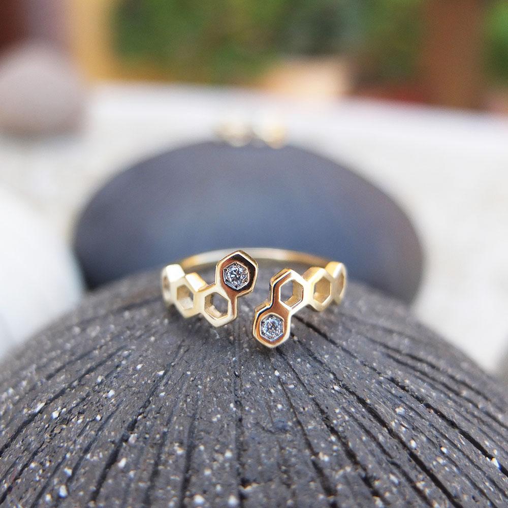 nectar ring honeycombs gold white diamonds